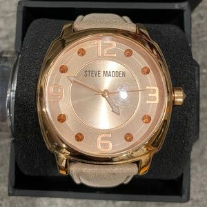 Steve Madden Women's New Rose Gold Leather watch!